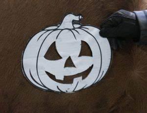 Halloween Kürbis Schablone : der halloween look f r pferde der reitsport blog ~ Lizthompson.info Haus und Dekorationen