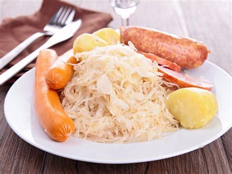 choucroute traditionnelle recette de choucroute traditionnelle marmiton