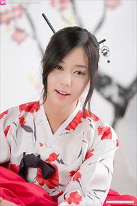 Cute Asian Girl: Kim Ha Yul in Hanbok