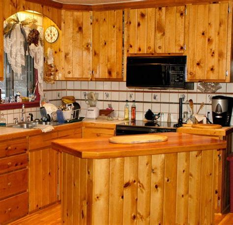 knotty pine cabinets kitchen 25 best images about knotty pine on knotty 6674
