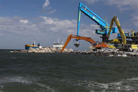 le port de rotterdam le nouveau terminal de rotterdam sort de terre mer et marine