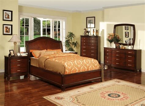 top   paint color  bedroom  cherry furniture