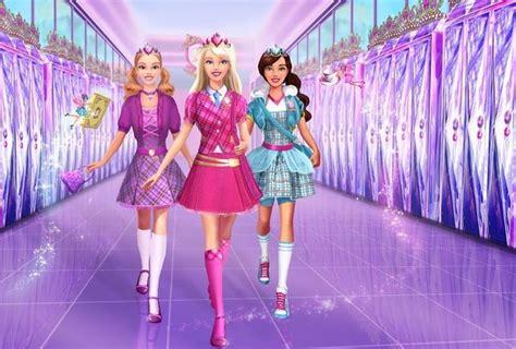 Vestir a barbie en el insti monster high. Juegos de vestir: El mejor juego de vestir gratis para ...