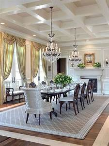 Pretty dining room rugs interior design and decor traba for Elegant dinning room