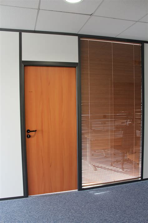 porte de bureau vitree 28 images porte vitr 233 e de type ringolit r 233 alisations vitr 233 e porte pleine espace cloisons alu ile de
