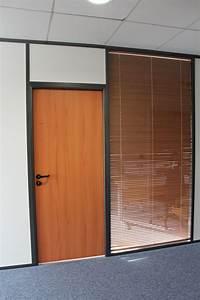 Les amenagements portes pour cloisons de bureau espace for Porte de garage coulissante et porte vitrée intérieur bureau