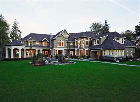 Here's an angle that shows the. Craftsman Style House Plan - 5 Beds 5.5 Baths 7400 Sq/Ft ...