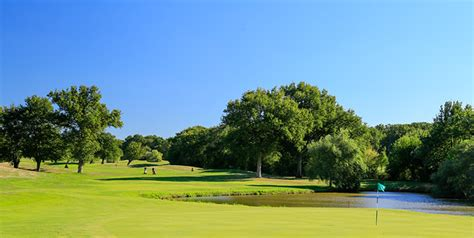 Loire Valley golf course reviews for golf and cultural