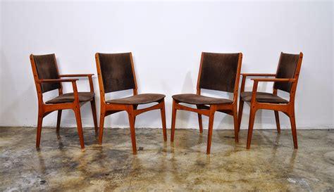 Select Modern Set Of 4 Danish Modern Teak Dining Chairs. Design Bathroom. Orb Chandelier Lowes. Blue Backsplash. Reclaimed Wood Buffet. Sliding Barn Doors With Glass. Raising Kitchen Cabinets. Chicago Interior Design. Media Storage