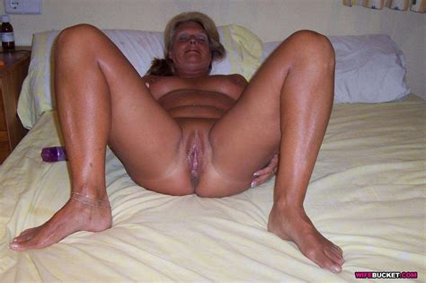 amateur milfs and their homemade sex pics