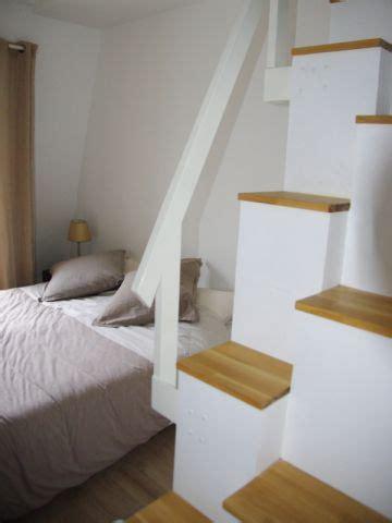 louer une chambre de sa maison un escalier étroit à pas japonais maisonapart