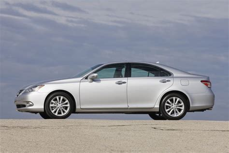 lexus es 2011 the 2011 lexus es 350 new touring edition adds style and