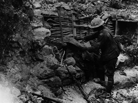 history    world war   moments life