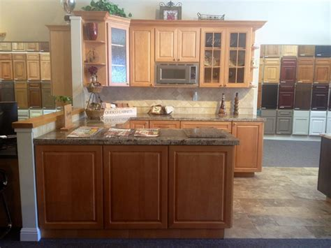 kitchen cabinets san carlos wakefield display dynasty cabinets autumn stain on maple 6372