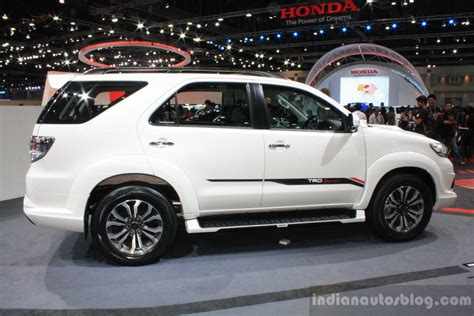 Fortuner Modif Wallpaper by 2014 Toyota Fortuner Pictures Information And Specs