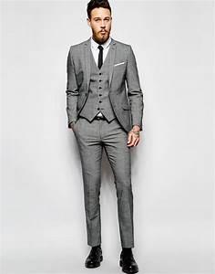 Schwarzer Anzug Blaue Krawatte : die besten 25 schwarzer anzug ideen auf pinterest schwarzer anzug schwarzes hemd junge ~ Frokenaadalensverden.com Haus und Dekorationen