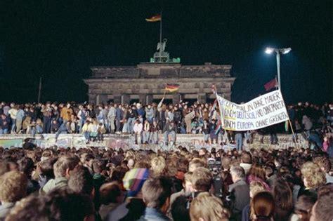 Mauerfall Deutschland Datum by Umfrage Nur Jeder Dritte Wei 223 Wann Der Mauerfall War