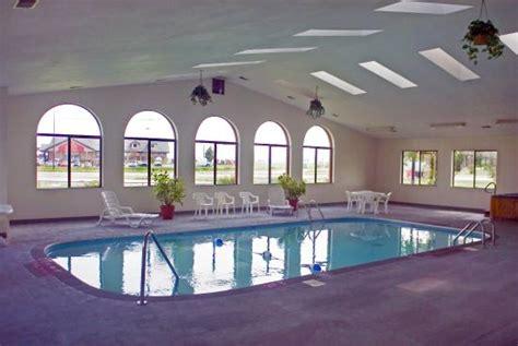 econo lodge inn suites granite city illinois hotel