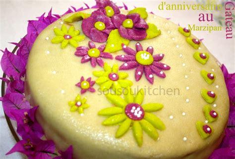 comment decorer un gateau d anniversaire avec de la pate d amande les recettes populaires
