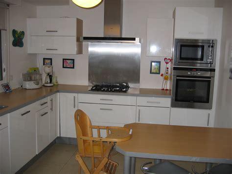 cuisine blanche et decoration cuisine grise et blanche