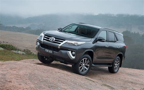Toyota Calya Hd Picture by Toyota Fortuner 2016 Wallpaper Hd Images And Pictures