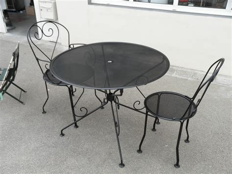 table de jardin ronde en fer forge salon de jardin table ronde fer forg 233 achat salon de jardin table ronde fer forg 233