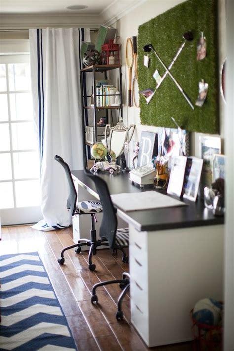 Of Bedroom Golf by Best 25 Boys Desk Ideas On Boy Rooms