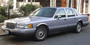 1993 Lincoln Town Car - Information And Photos