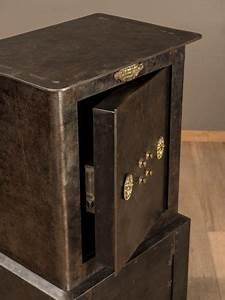 Meuble Coffre Fort : coffre fort h decayeux en 2019 meubles de metier coffre fort coffre et fort ~ Nature-et-papiers.com Idées de Décoration