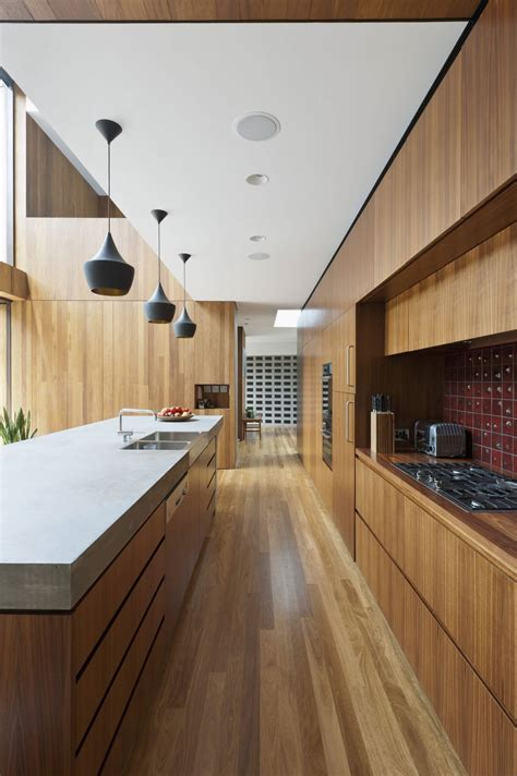 Contemporary small galley kitchen ideas and pictures. Best 90+ Galley Kitchen Ideas 2018 - Interior Decorating ...