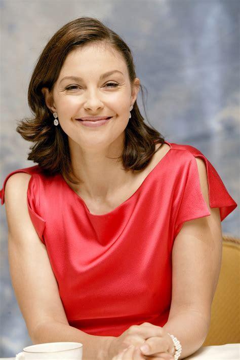 Ashley Judd photo 222 of 272 pics, wallpaper   photo