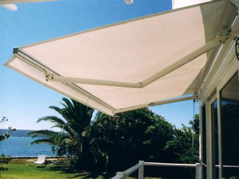 Outdoor Motorized Sun Shades Retractable Awning
