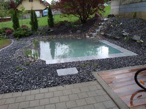 Schwimmteiche Für Kleine Gärten by Kleiner Schwimmteich In Belp Yasiflor Gartenbau