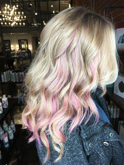 With Pink Highlights Hairstyles by Best 10 Pink Peekaboo Hair Ideas On Peekaboo