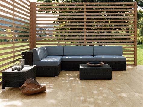 Holzoptik Fliesen Terrasse by Fliesen Im Au 223 Enbereich Anforderungen Bauen De