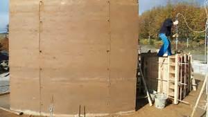 Mur En Pisé : mur pis en courbe ma onnerie terre crue pierre et chaux ~ Melissatoandfro.com Idées de Décoration