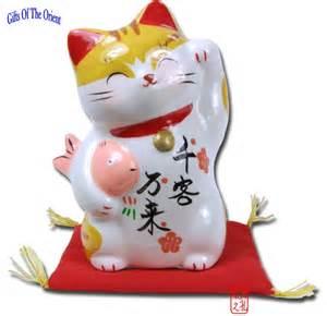fortune cat lucky cat pretty maneki neko to bring customers