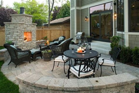 How To Decorate The Outdoor Areas