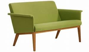 Sofa Beine Holz : skandinavische sofas das sofa aus stoff und holz beine tische und st hle ~ Buech-reservation.com Haus und Dekorationen