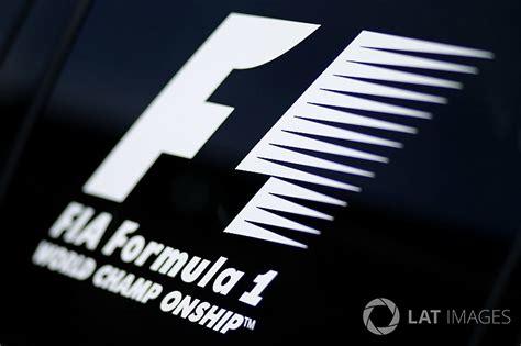 nouveau logo f1 le nouveau logo de la f1 va 234 tre d 233 voil 233 224 abu dhabi motorsport