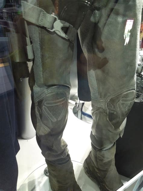 hollywood  costumes  props tom cruises oblivion