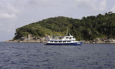 dive boat wikipedia