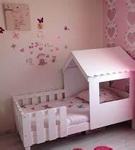 Lit Cabane Au Sol : le lit enfant cabane swam de betty et de caroline ~ Premium-room.com Idées de Décoration