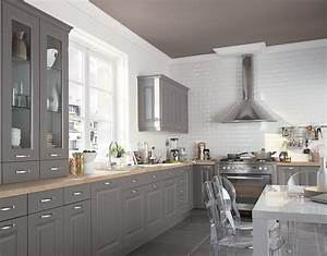 Peindre ses meubles de cuisine travauxcom for Idee deco cuisine avec cuisine aménagée contemporaine