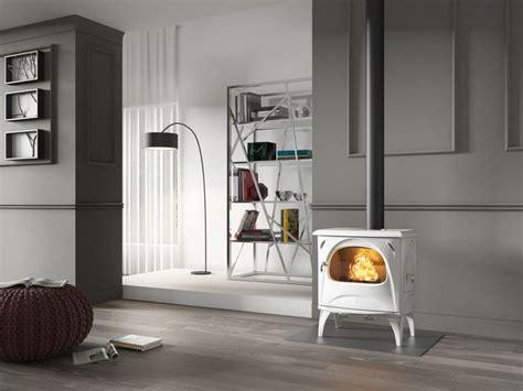 poele a bois blanc po 234 le 224 bois 224 granul 233 s 15 mod 232 les tendance et design de chauffage c 244 t 233 maison