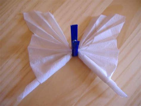 Pliage De Serviette En Forme De Papillon