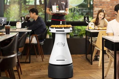 Pizza Hut's New Slice-Serving Robot Waiter Can't Be Topped ...