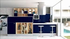 bleu marine et meubles en bois pour une cuisine ouverte With palette couleur peinture mur 14 amenagement optimise et deco pour ma cuisine ouverte