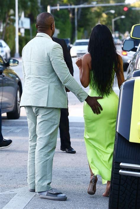 kim kardashian   helping hand   man kanye west