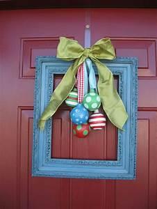 38 stunning christmas front door decor ideas digsdigs for Front door decor
